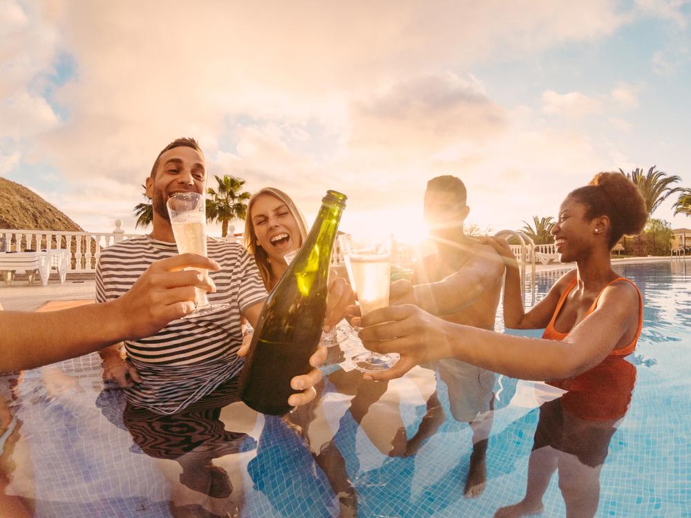 miami_pool_party
